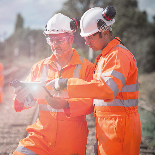 Image of railworkers with full duplex radio system